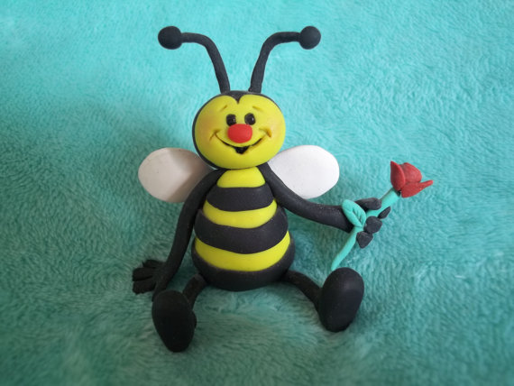 Polymer clay bee - inspiration for a handmade holiday