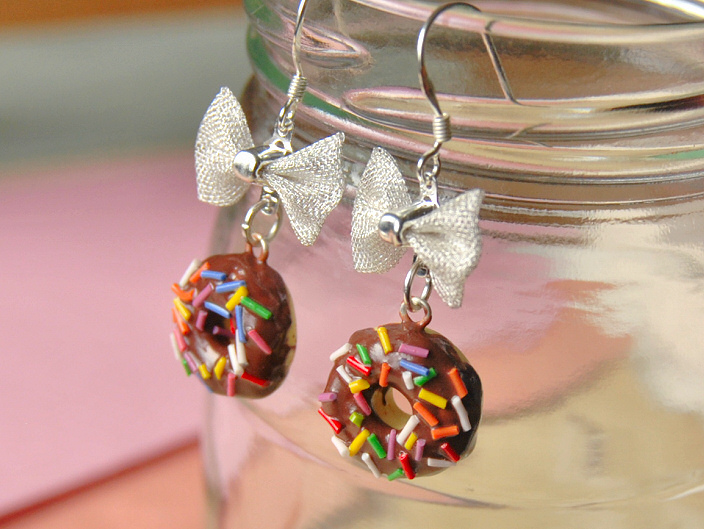 013_donut_bow_earrings_chocolate_by_madizzo