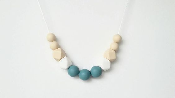 A bit of color and fun into a simple polymer clay necklace