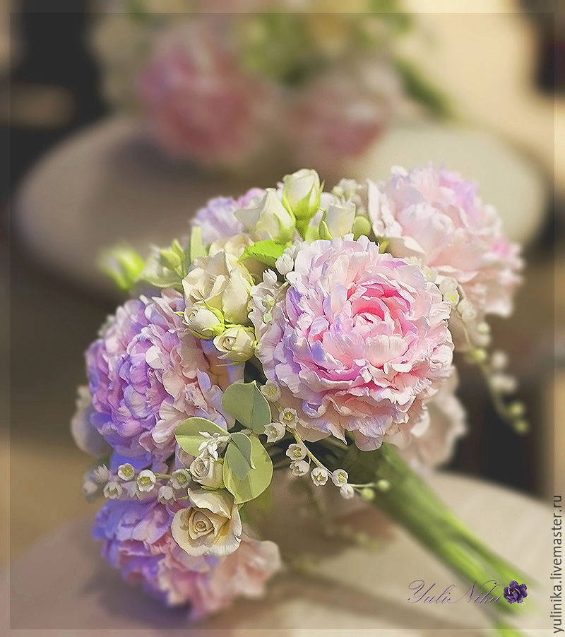 Bouquet of the bride with peonies 3
