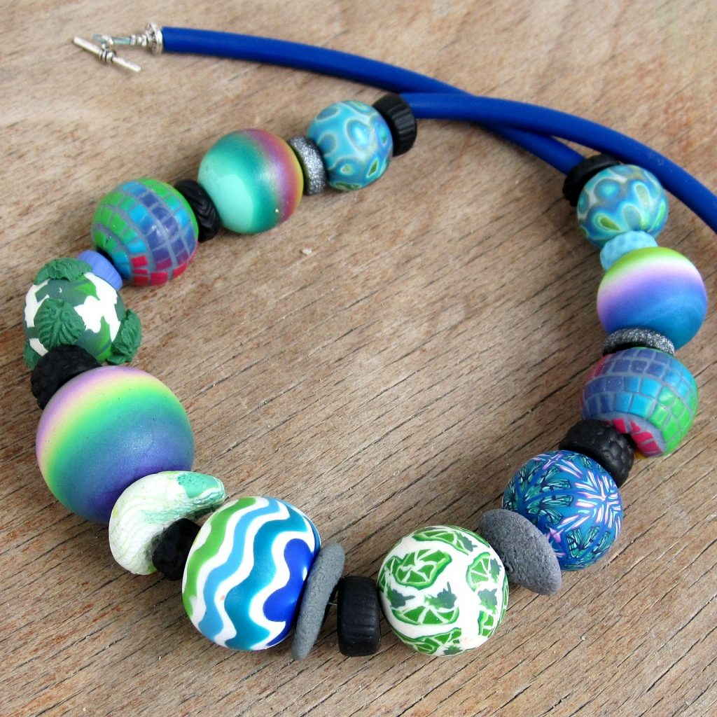 Polymer clay gradient beads