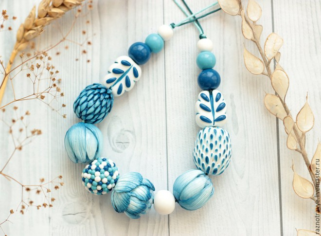 Polymer clay white and blue necklace diy step by step tutorial do polymer clay white and blue necklace diy step by step tutorial do it yourself amazing fimo gift solutioingenieria Image collections
