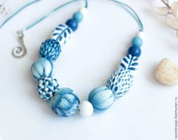 Polymer clay white and blue necklace tutorial – DIY step by step