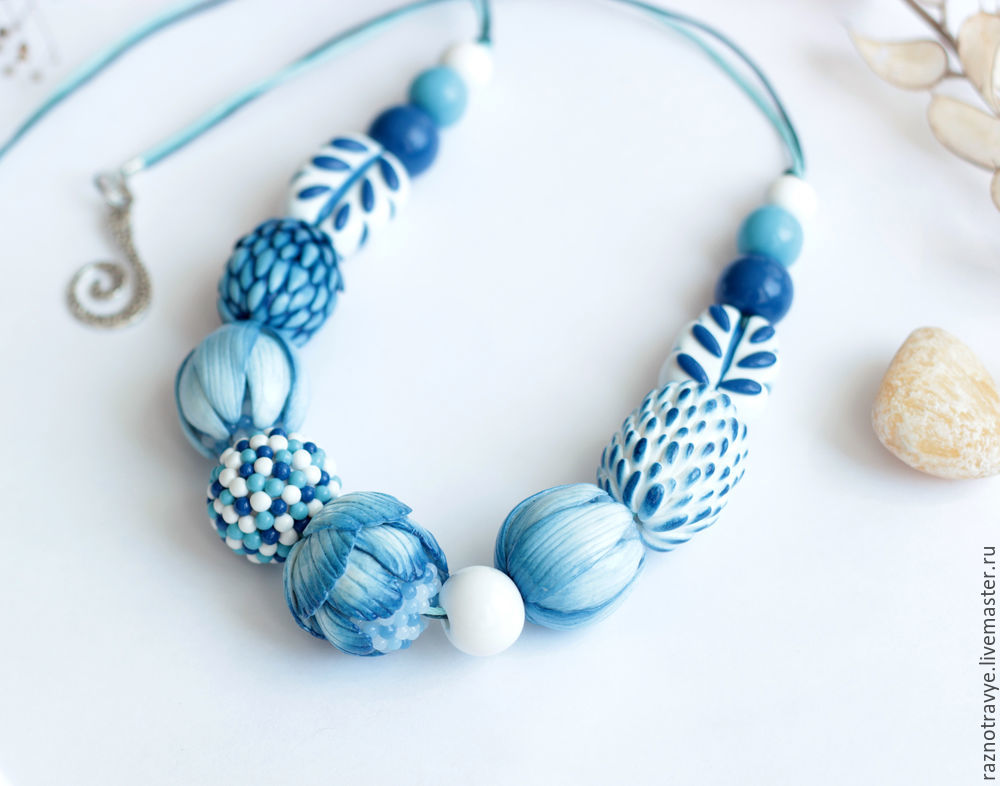 Polymer clay white and blue necklace tutorial - DIY step by step