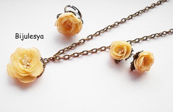 White Jewelry Set,Flower Jewelry Set White Flower Necklace White Flower Earrings White Flower Jewelry Set,Polymer Clay Flower Jewelry Set