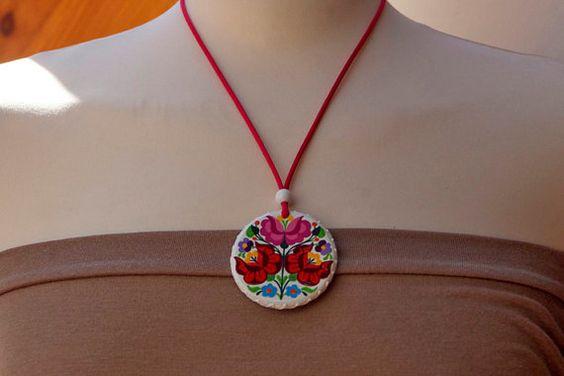Handpainted Kalocsa Round Necklace