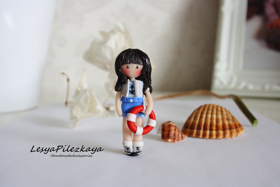 Polymer clay brooch - little girl in maritime Outfit - summer jewelry