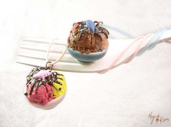 Scented Ice Cream Necklace, Pink or Blue Ice Cream Bowl Necklace, Mini Food Jewelry,Polymer Clay,Foodie Gift,Summer Necklace,Kawaii Necklace