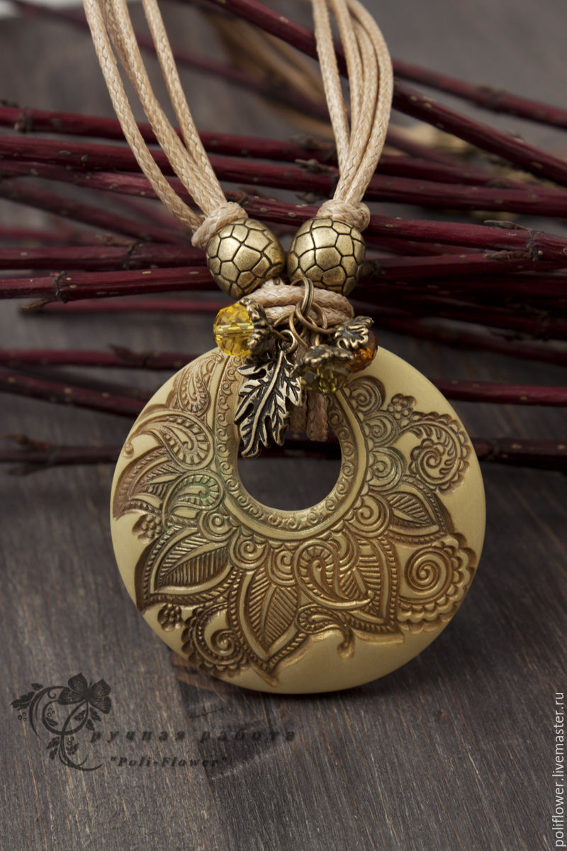Polymer clay antique pendant - handmade ideas