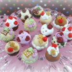 Polymer clay cupcake charms (16)