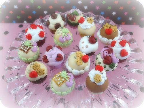 Polymer clay cupcake charms (16)