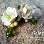 White Flowers earrings Rustic Wedding Floral earrings white green wedding jewelry for bridesmaid earrings polymer clay flowers romantic gift