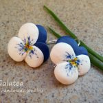 White blue Violets earrings Wedding flower earrings White Blue Bridal jewelry floral Mom earrings Bridesmaid gift for Mom jewelry Woman gift