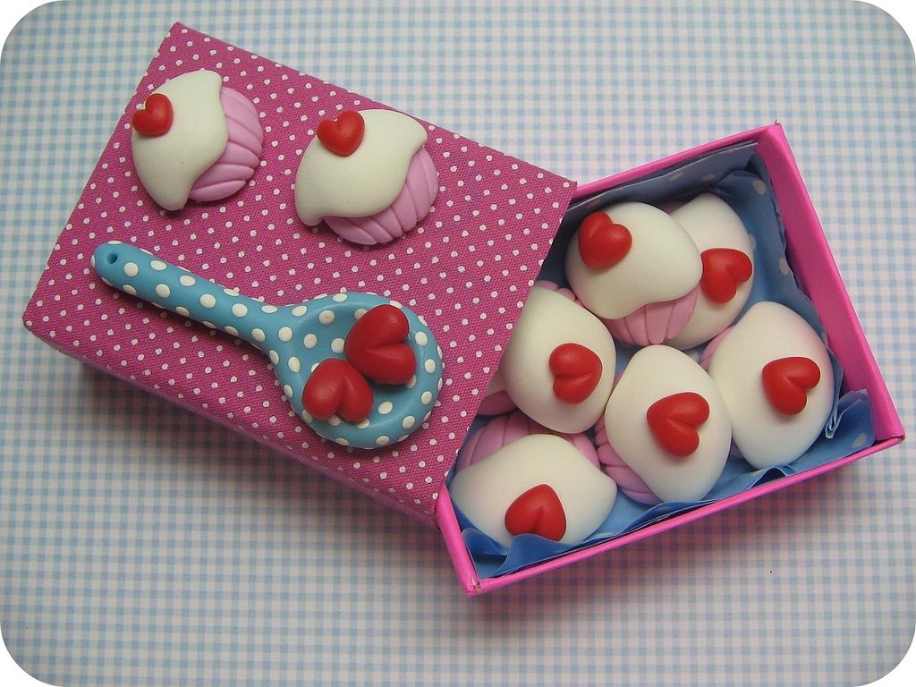 Polymer clay cupcake with heart charms (5)