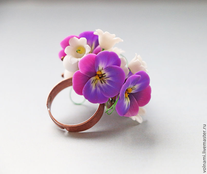 Polymer clay jewelry with pansies - purple pansies ring - flower jewelery