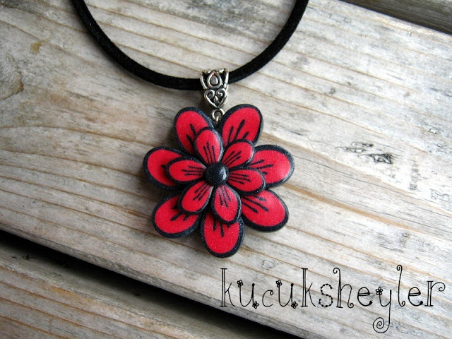 Polymer clay red and black flower pendant tutorial- DIY step by step tutorial