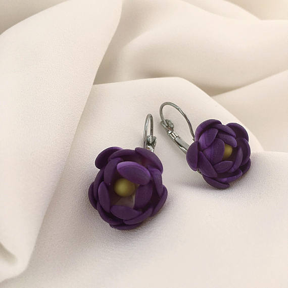 Purple flower earrings, Floral earrings, Polymer clay jewelry, Gift for her, Violet earrings, Polymer clay earrings, Girls earrings