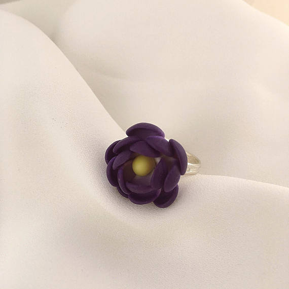Purple flower ring, Floral ring, Polymer clay jewelry, Gift for her, Floral jewelry, Polymer clay ring, Girls ring, Flower ring, Violet ring